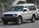 Фото авто Mitsubishi Pajero 2 поколение, ракурс: 45 цвет: белый