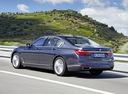 Фото авто BMW 7 серия G11/G12, ракурс: 135 цвет: синий