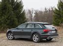 Фото авто Audi A4 B9, ракурс: 135 цвет: зеленый