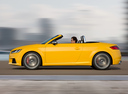 Фото авто Audi TT 8S, ракурс: 90 цвет: желтый