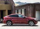 Фото авто BMW X6 F16, ракурс: 270 цвет: красный
