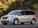 Фото авто Dodge Caravan 5 поколение [рестайлинг], ракурс: 45 цвет: серебряный