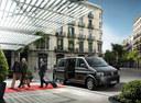 Фото авто Volkswagen Caravelle T5 [рестайлинг], ракурс: 315 цвет: черный