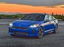 Фото авто Kia Stinger 1 поколение, ракурс: 45 цвет: синий