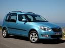 Фото авто Skoda Roomster 1 поколение [рестайлинг], ракурс: 315 цвет: голубой