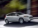 Фото авто Ford Focus 3 поколение, ракурс: 315 цвет: белый