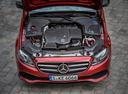 Фото авто Mercedes-Benz E-Класс W213/S213/C238/A238, ракурс: двигатель цвет: красный