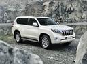 Фото авто Toyota Land Cruiser Prado J150 [рестайлинг], ракурс: 315 цвет: белый