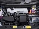 Фото авто Toyota Prius Plus 1 поколение, ракурс: двигатель