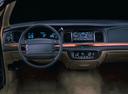 Фото авто Ford Crown Victoria 1 поколение, ракурс: торпедо