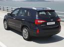 Фото авто Kia Sorento 2 поколение [рестайлинг], ракурс: 135 цвет: черный