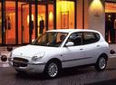 Фото авто Toyota Duet 1 поколение, ракурс: 45