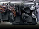 Фото авто Mitsubishi Grandis 1 поколение, ракурс: салон целиком