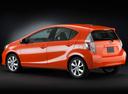 Фото авто Toyota Prius C 1 поколение, ракурс: 135