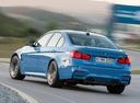 Фото авто BMW M3 F80, ракурс: 135 цвет: голубой