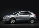 Фото авто Cadillac SRX 2 поколение [рестайлинг], ракурс: 90 цвет: серебряный