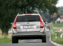 Фото авто Kia Cee'd 1 поколение, ракурс: 180 цвет: бежевый