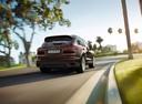 Фото авто Porsche Cayenne 958 [рестайлинг], ракурс: 225 цвет: бордовый