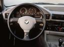 Фото авто BMW M5 E34, ракурс: торпедо