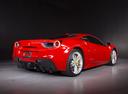 Фото авто Ferrari 488 1 поколение, ракурс: 225 цвет: красный