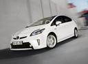 Фото авто Toyota Prius 3 поколение [рестайлинг], ракурс: 45 цвет: белый