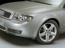 Фото авто Audi A4 B6, ракурс: передняя часть цвет: серебряный