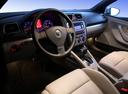 Фото авто Volkswagen Eos 1 поколение, ракурс: торпедо