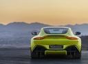 Фото авто Aston Martin Vantage 4 поколение, ракурс: 180 цвет: салатовый