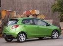 Фото авто Mazda 2 DE [рестайлинг], ракурс: 225 цвет: зеленый