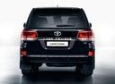 Фото авто Toyota Land Cruiser J200 [2-й рестайлинг], ракурс: 180 цвет: черный