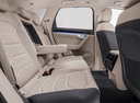 Фото авто Volkswagen Touareg 3 поколение, ракурс: задние сиденья