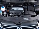 Фото авто Volkswagen Passat B7, ракурс: двигатель