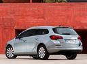 Фото авто Opel Astra J [рестайлинг], ракурс: 135 цвет: серебряный