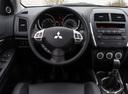 Фото авто Mitsubishi ASX 1 поколение, ракурс: рулевое колесо