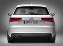 Фото авто Audi A3 8V, ракурс: 180 цвет: белый