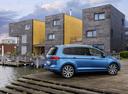 Фото авто Volkswagen Touran 2 поколение, ракурс: 225 цвет: синий