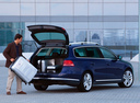 Фото авто Volkswagen Passat B7, ракурс: 225 цвет: синий