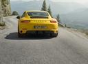 Фото авто Porsche 911 991 [рестайлинг], ракурс: 180 цвет: желтый