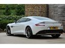 Фото авто Aston Martin Vanquish 2 поколение, ракурс: 135 цвет: белый