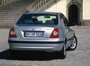 Фото авто Hyundai Elantra XD [рестайлинг], ракурс: 180 цвет: серебряный