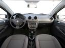 Фото авто Volkswagen Voyage 2 поколение, ракурс: торпедо