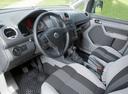 Фото авто Volkswagen Caddy 3 поколение, ракурс: торпедо