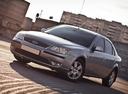 Фото авто Ford Mondeo 3 поколение [рестайлинг], ракурс: 45 цвет: серебряный
