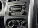 Фото авто Suzuki Jimny 3 поколение [2-й рестайлинг], ракурс: элементы интерьера