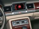 Фото авто Audi A8 D3/4E, ракурс: центральная консоль