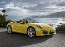 Фото авто Porsche 911 991, ракурс: 315 цвет: желтый
