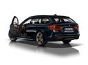 Фото авто BMW 5 серия G30, ракурс: 135 - рендер цвет: синий