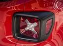 Фото авто Jeep Renegade 1 поколение, ракурс: задние фонари цвет: красный
