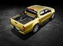 Фото авто Mercedes-Benz X-Класс 1 поколение, ракурс: 225 цвет: салатовый