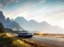 Фото авто Bentley Flying Spur 1 поколение, ракурс: 135 цвет: голубой